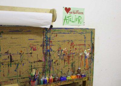 Holzwand zum Malen für Kinder